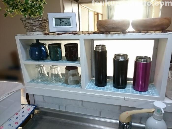 コップ収納食器棚完成1