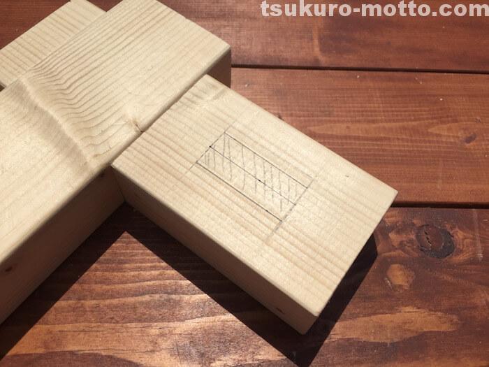 DIYテクニック ホゾ穴加工墨付け5