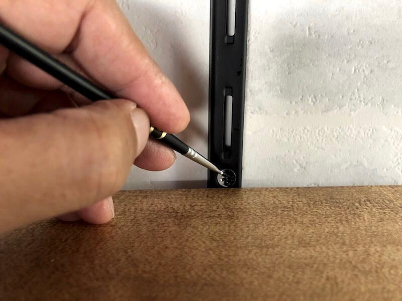 可動棚DIY 棚柱と棚受け9