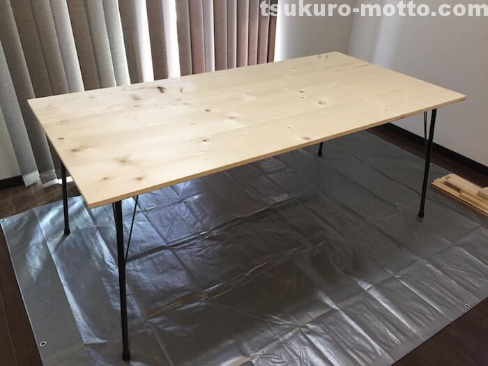 カフェ風ダイニングテーブルDIY 鉄脚取り付け完了
