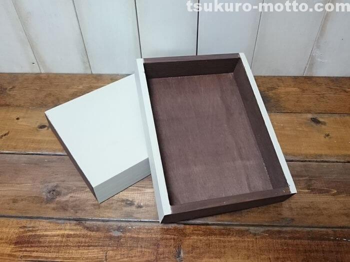 木箱の塗装2