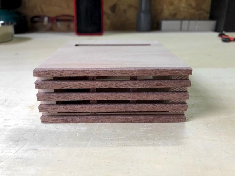 家具調iPhoneskeaker 木工完成2