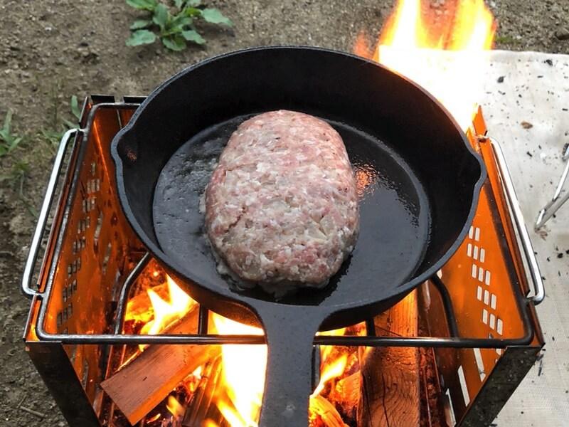 チーズinハンバーグ 調理1