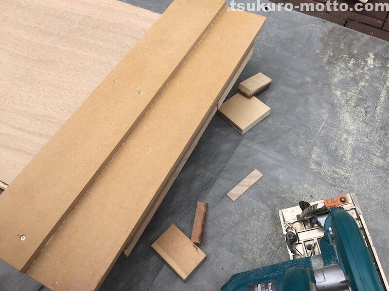 マニッシュ端材テーブルDIY 天板仕上げ2