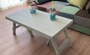 シャビーなリビングテーブル