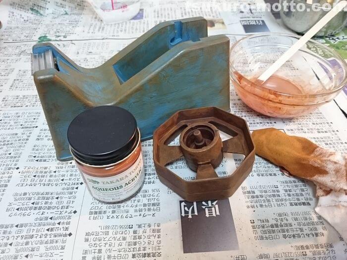 セロハンテープ台リメイク Yellow Rustの塗布