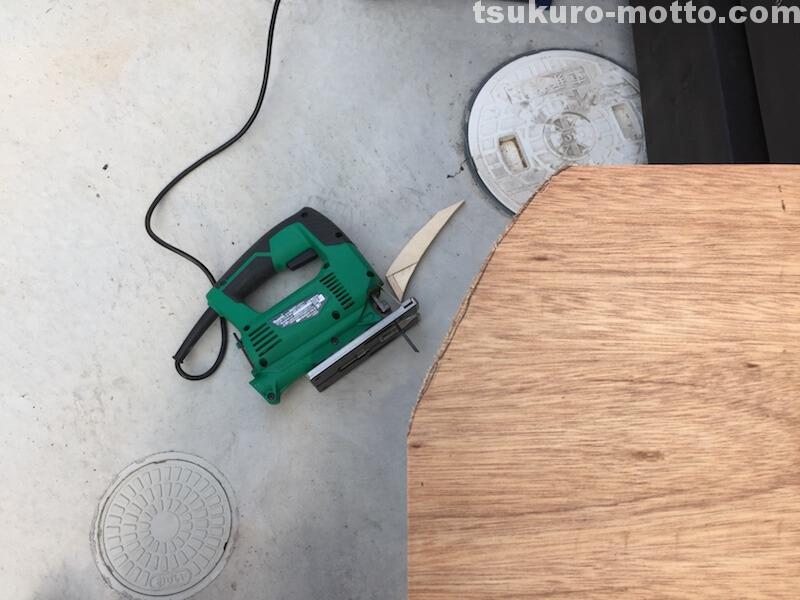 トランク中敷棚DIY Rカット一回目